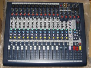 mixer-soundcraft-mfx-12-2-1m4G3-hf84Bs