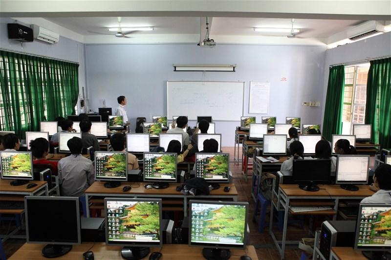 Âm thanh phòng học