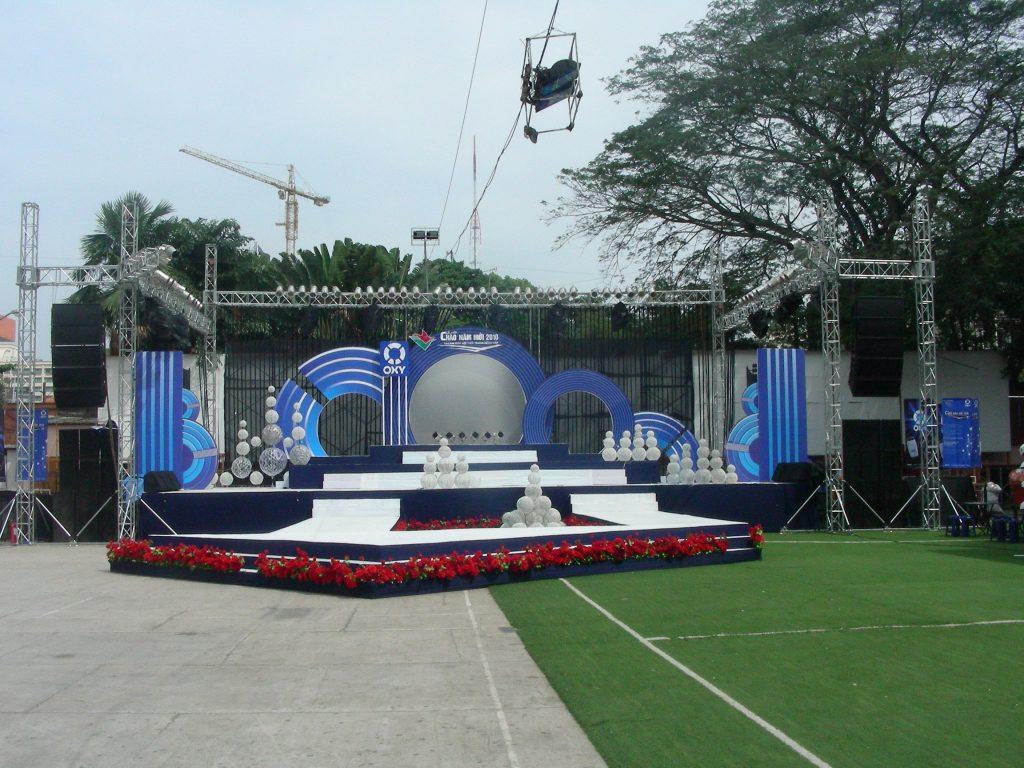 Sân khấu ngoài trời